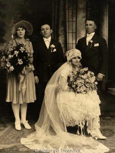 Beautiful 1920s Vintage Wedding Photo with Full Party Loads of Roses   eBay