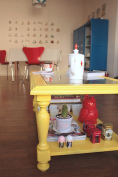 Ro Guaraz · mesa ratona // yellow coffee table