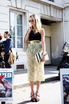 Helena Bordon tres chic in a lace pencil skirt w/ a gold belt #PFW #StreetStyle