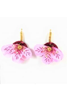 Aretes Orquidea rosada Alejandra Valdivieso joyas jewelry designer Jewelry Design, Drop Earrings, Christmas Ornaments, Holiday Decor, Fashion, Pink Orchids, Colombian Women, Modern Women, Fashion Trends