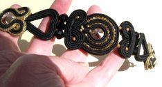 Bratara  Black cu soutache negru  cu insertie de lurex , auriu, swarovski rivoli, swarovski multifatetat,catena cu stras, preciosa :)