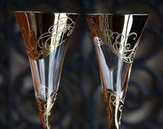 Wedding glasses Toasting flutes hand decorated от PolinikaGlass