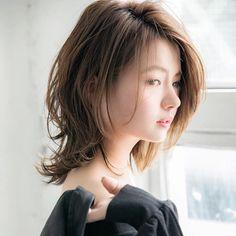 Pin on Hair Medium Shag Haircuts, Short Shag Hairstyles, Kawaii Hairstyles, Hairstyles Haircuts, Medium Hair Cuts, Medium Hair Styles, Short Hair Styles, Messy Short Hair, Girl Short Hair
