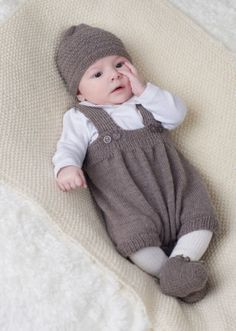 Baby Pants and Rompers Knitting Patterns Knitting patterns for layette units Baby knitting patterns unfastened (Visited 1 times, 1 visits today) Knitting Patterns Boys, Baby Boy Knitting, Knitting For Kids, Baby Patterns, Free Knitting, Knit For Baby, Knitting Books, Baby Knits, Baby Overalls