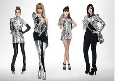I have a thing for korean pop fashion. is one of the most fashionable pop girl group in Korea. I am very inspired by their outfits and how fierce their style is. Kpop Fashion, Korean Fashion, Fashion Outfits, Fashion Styles, Kpop Girl Groups, Kpop Girls, K Pop, Mtv, Fancy Dress Uniform