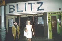 If only I had a time machine and be a part of the New Romantics !!! :-) Blitz Nightclub 1980s