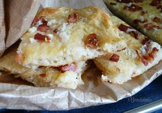 Meteník - posúch s kyslou kapustou. Russian Recipes, Hawaiian Pizza, Quiche, Bread, Salt, Polish, Food, Country, Vitreous Enamel