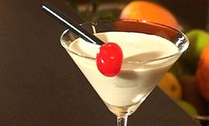 Orgazmus koktél recept White Russian, Martini, Tableware, Glass, Pina Colada, Dinnerware, Drinkware, Tablewares, Corning Glass