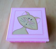 Caja Gatita por Angélica Tamayo Decoupage, Country Crafts, Tole Painting, Box Art, Painted Rocks, Coasters, Dog Cat, Decoration, Clip Art