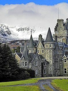 Highlands Castle, Loch Laggan in Scotland: