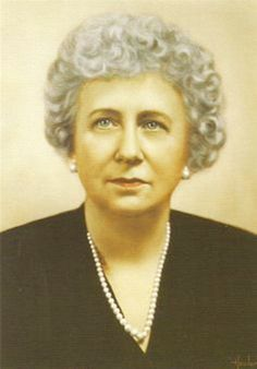 First Lady Mrs ~~Bess Truman (née Elizabeth Virginia Wallace; February 13, 1885 – October 18, 1982), was the wife of Harry S. Truman and First Lady of the United States from 1945 to 1953.❤❁❤❁❤❁❤❁❤❁❤ http://en.wikipedia.org/wiki/Bess_Truman  http://en.wikipedia.org/wiki/Harry_S._Truman_National_Historic_Site  http://www.trumanlibrary.org/