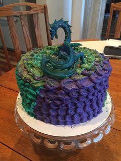 Dragon scale cake Dragon Birthday Cakes, Dragon Birthday Parties, Dragon Cakes, Dragon Party, 9th Birthday, Christian Cakes, Fantasy Cake, Cake Decorating Techniques, Cakes For Boys