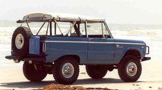 Arles blue Bronco with Safari top