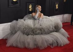"""Ariana Grande looks like a Cotton Queen, should win the Grammy just for her look. Ver Memes, Ariana Grande Wallpaper, Celebs, Celebrities, Jennifer Lopez, Twitter, Rihanna, Pink Dress, Nice Dresses"