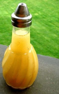 Apple Cider Vinegar and Honey Vinaigrette Dressing - Vinaigrette Dressing, Salad Dressing Recipes, Salad Dressings, Apple Cider Vinegar Dressing Vinaigrette, Salad Recipes, Natural Cough Remedies, Cold Home Remedies, Holistic Remedies, Butter