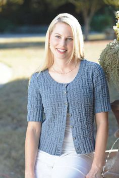 Get the perfect spring look with the charming Tessuto Cardigan. This short sleeved cardigan is a great choice when layering. The textured look of the cardigan will add a bit of depth to your outfit without overwhelming the eye. Shawl Patterns, Sweater Knitting Patterns, Cardigan Pattern, Crochet Cardigan, Knit Or Crochet, Knitting Stitches, Free Knitting, Knitting Needles, Summer Knitting