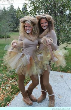 A classic DIY Halloween Costume ever: GO AS A LION(ESS)