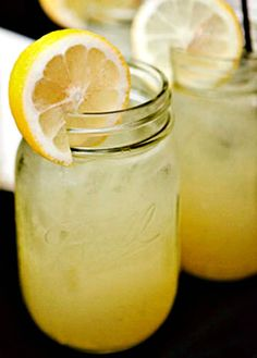 ahh, so refreshing who doesn't love fresh lemon aid in the summer