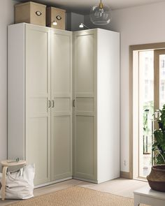 Armoire Entree, Armoire D'angle, Corner Armoire, Pax Planer, Dressing Ikea, Soft Closing Hinges, Frame Shelf, Small Hallways, Clothes Rail