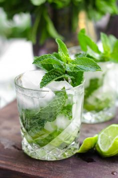 When it comes to cocktails, these Champagne Mojitos are the best! With lime juice, rum, simple syrup and a sparkling wine like champagne, they are super refreshing and perfect for summer! Champagne Drinks, Wine Cocktails, Holiday Cocktails, Summer Cocktails, Cocktail Recipes, Holiday Parties, Colorful Cocktails, Fancy Drinks, Refreshing Drinks