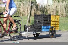 grote fietskar- fietstransport - fietsremorque - fietslogistiek - logistics - aanhangwagen - lange fietskar - bagagefietskar - fietsende tuinman – cycling cargo trailer - fahrrad lastenanhänger – fietsende marktkramer - chariot vélo – bike transport – cycling food trailer – fietsende klusjesman – bike packing – bike hiking – bicycle traveling - Cykelkarra - oplossing lage emissie zone – bike delivery – first last mile – big load bike transport – exceptional bike transport Bike Trailer, Trailer Build, Cargo Trailers, Food Trailer, Last Mile, Cargo Bike, Donkey, Baby Strollers, Transportation