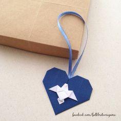 Divino Espírito Santo Tag Origami Bookmark, Origami Heart, Paper Crafts, Diy Crafts, Sunday School Crafts, General Crafts, Paper Folding, Origami Paper, Christmas Cards
