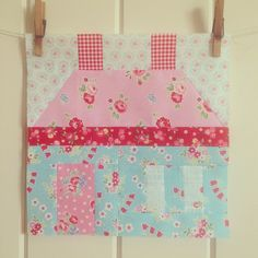 """""""Just finished my Sew Sweet Bee house block for @aquiltingsheep! #sewsweetbee"""""""