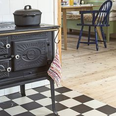 Landlig kjøkken Foto:Helge Eek Styling : Ellen Dyrop