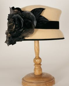 1109CDV Candy butter w/Black $450 – Louise Green Millinery