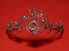 Diamond Tiara, Portu fashion love