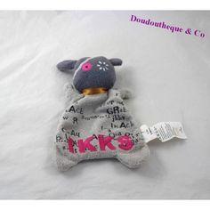Doudou plat monstre IKKS gris rose 20 cm Gris Rose, Dinosaur Stuffed Animal, Toys, Animals, Plush, Dish, Animais, Animales, Animaux
