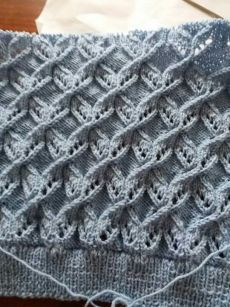 Best Beautiful Easy Knitting Patterns - Her Crochet Lace Knitting Stitches, Lace Knitting Patterns, Cable Knitting, Knitting Videos, Easy Knitting, Knitting Designs, Stitch Patterns, Crochet Lace Scarf, Diy Crafts Knitting