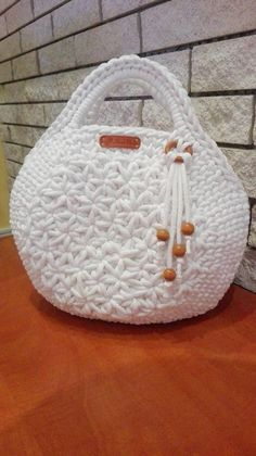 Diy Crafts - Snow white colored hand made crochet bag. Modern and unique design. A special macaron pattern in the middle. Made from top quality yarn. Crochet Backpack, Crochet Tote, Crochet Handbags, Crochet Purses, Crochet Bikini, Crochet Bag Tutorials, Diy Crafts Crochet, Yarn Bag, Diy Handbag