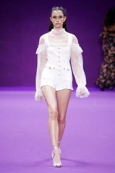 Alice McCall Sydney Fall 2018 Fashion Show Collection: See the complete Alice McCall Sydney Fall 2018 collection. Look 11 Fashion 101, Fashion Week, Runway Fashion, High Fashion, Fashion Looks, Fashion Outfits, Womens Fashion, Fashion Trends, Fashion Design