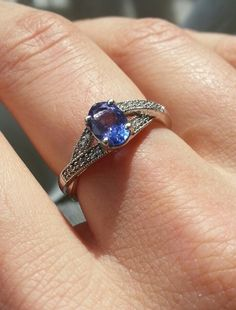 Tanzanite engagement ring? Stunning...!♥