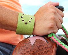 Cuff 837 DIY Jewelry: Grommet Cuff