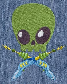 Skully Alien | Urban Threads (2 sizes)