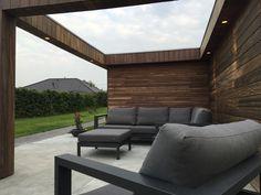 Poolhouse op maat gemaakt  Apart ontwerp voor elke klant ,  surf naar :  www.outsit.be Outdoor Sectional, Sectional Sofa, Outdoor Furniture, Outdoor Decor, Sun Lounger, Surf, Modern, Home Decor, Modular Couch