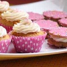Herkullinen resepti ystävänpäivään Valentines Day, Desserts, Food, Valentine's Day Diy, Tailgate Desserts, Deserts, Essen, Postres, Meals