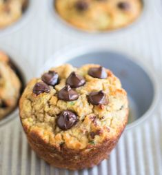 These Chocolate Chip Zucchini Muffins are super moist healthy and perfect for breakfast or snacking. An easy recipe that is loaded with dark chocolate chips and fresh zucchini. Gluten Free Zucchini Muffins, Zucchini Chocolate Chip Muffins, Gluten Free Breakfasts, Dark Chocolate Chips, Keto Recipes, Paleo, Easy Meals, Healthy Eating, Desserts