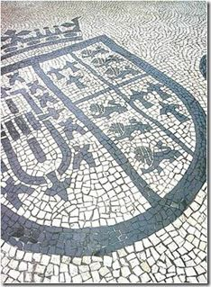 Pebble Mosaic, Mosaic Tiles, Portugal, Stone Pavement, Big Country, Portuguese Tiles, Paving Stones, Arch, Sidewalk