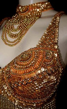 love the bead detail