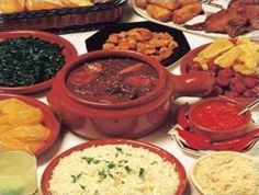 Feijoada and Farofa are my comfort food. My Favorite Food, Favorite Recipes, Comfort Food, People Eating, Guacamole, Rice, Tasty, Beef, Traditional