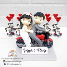 ideas motorcycle cake topper the bride for 2019 Polymer Clay Cake, Polymer Clay Projects, Custom Wedding Cake Toppers, Wedding Topper, Motorcycle Cake, Clay Tutorials, Love People, Christening, Creative Art