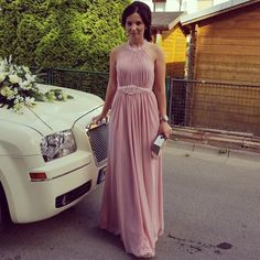 Schönes alt rosa Abendkleid nur einmal getragen, ohne Mängel. Größe 36 passt, aber einer 38 eher.