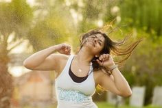 Learn what is better: Yoga Vs Zumba. It depends on your goals. Both Yoga and Zumba are great activities to increase your fitness level. They are very fun to practice and enjoyable. Zumba Fitness, You Fitness, Fitness Goals, Fitness Tips, Health Fitness, Band Workout, Workout Songs, Dietas Detox, Armpit Fat