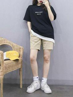 Korean Girl Fashion, Korean Fashion Trends, Ulzzang Fashion, Korean Street Fashion, Tomboy Fashion, Teen Fashion Outfits, Asian Fashion, Korea Fashion, Fasion