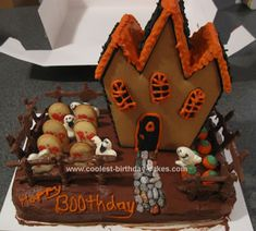 Homemade Haunted House Birthday Cake... This website is the Pinterest of halloween cakes