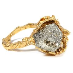 Alighieri Gold Meteorite Molten Lava Ring (€205) ❤ liked on Polyvore featuring jewelry, rings, accessories, jewels, dark ring, handcrafted rings, gold jewelry, glitter ring and handcrafted gold rings