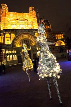 The Silver Belles - Stilt Walkers | London| UK #Christmas Entertainment